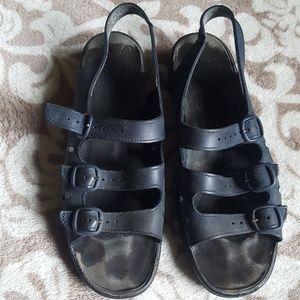 b399c121393 Women s Clarks Springer Sandals on Poshmark